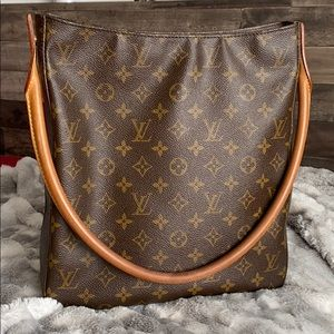 🌟price is firm🌟Louis Vuitton Looping GM